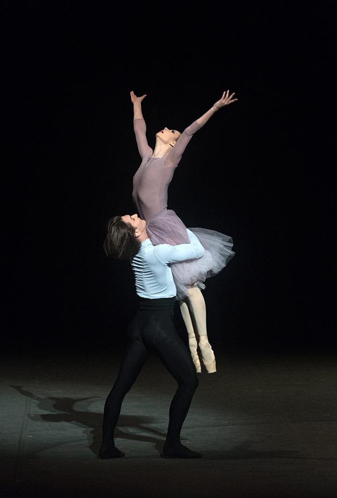 Maria Alexandrova and Vladislav Lantratov in Nureyev.© Marc Haegeman. (Click image for larger version)
