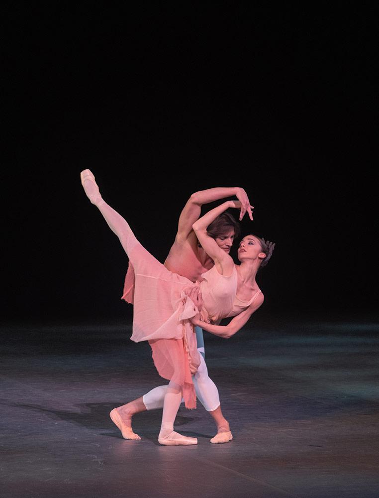 Claudia D'Antonio and Giuseppe Picone in La Rose malade.© Marc Haegeman. (Click image for larger version)