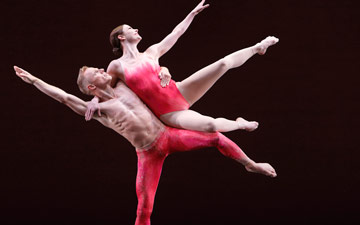 Laura Halzack and Michael Trusnovec in Mercuric Tidings.© Paul B. Goode. (Click image for larger version)