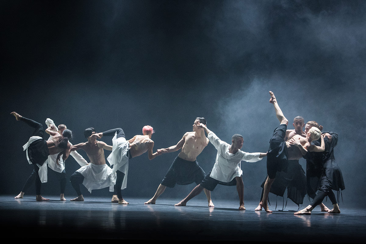 Company Wayne McGregor in Autobiography.© Richard Davies. (Click image for larger version)