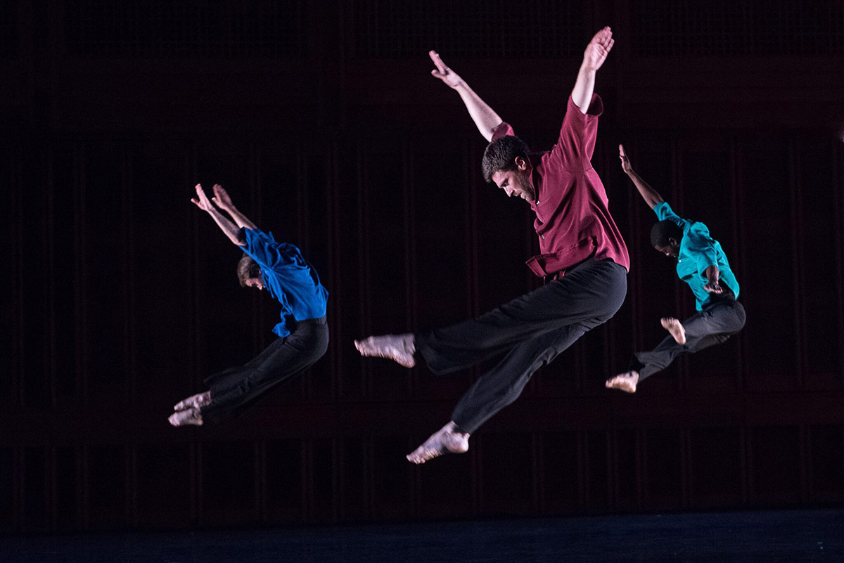 Mark Morris Dance Group in Numerator.© Christopher Duggan. (Click image for larger version)
