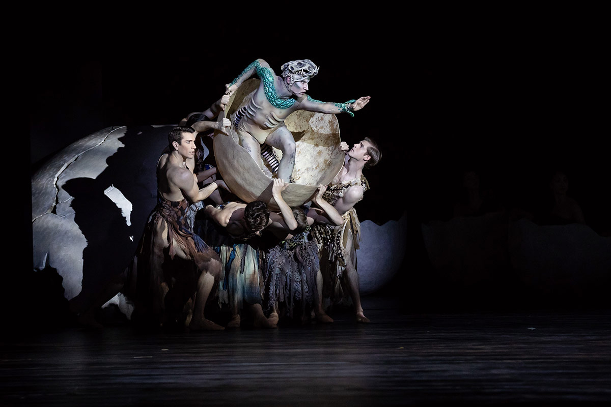 Brett Chynoweth and artists of The Australian Ballet in Firebird.© Daniel Boud. (Click image for larger version)