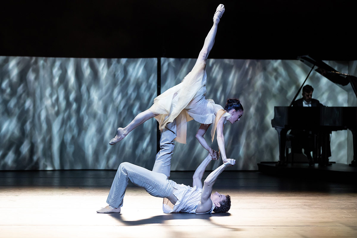 Leanne Stojmenov and Kevin Jackson in Grand.© Daniel Boud. (Click image for larger version)