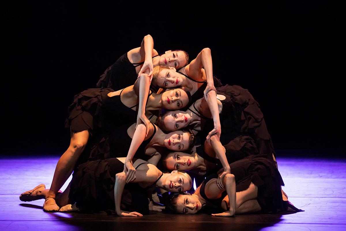 Australian Ballet in Grand.© Daniel Boud. (Click image for larger version)