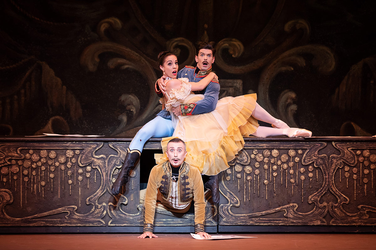 Leanne Stojmenov, Andrew Killian and Frank Leo in The Merry Widow.© Daniel Boud. (Click image for larger version)