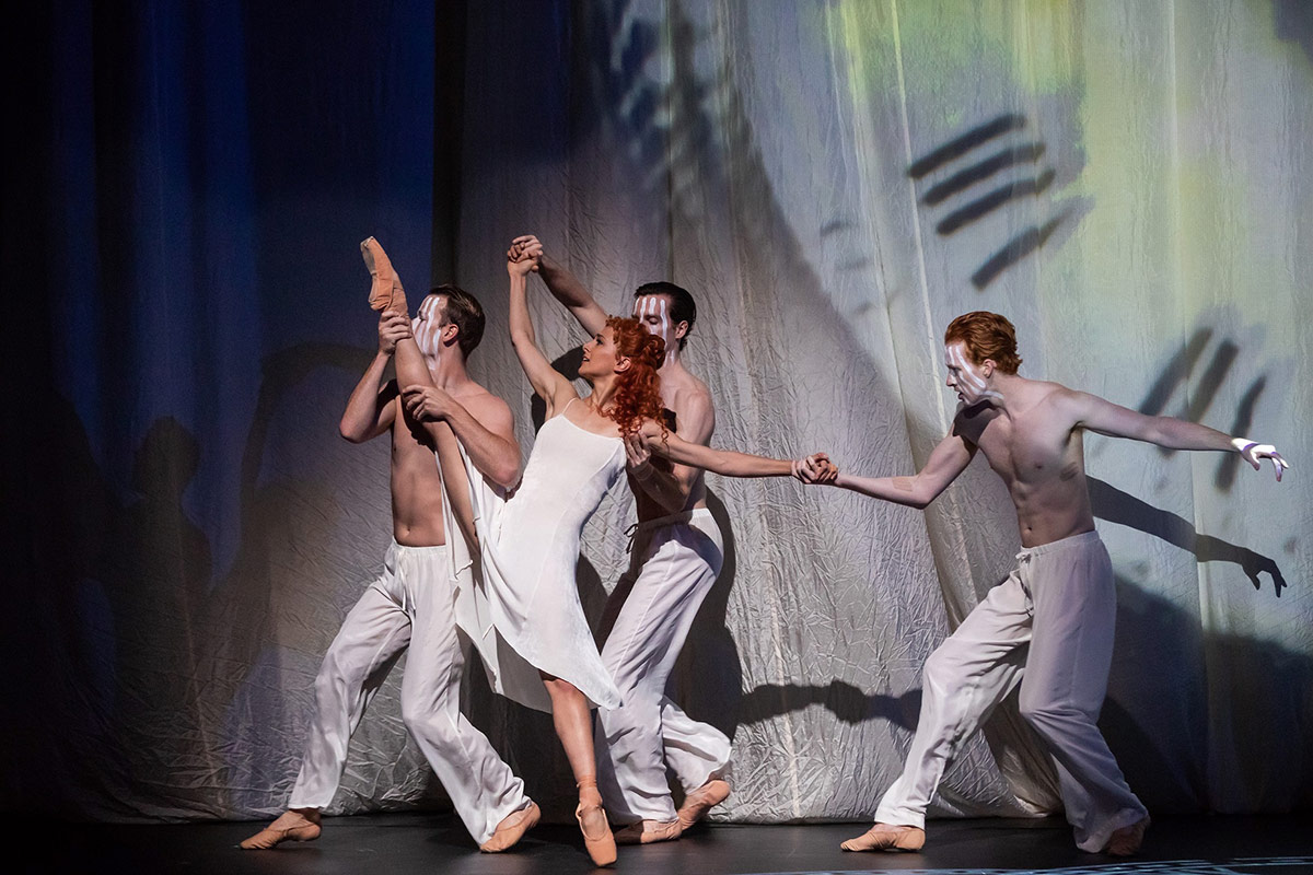 Dimity Azoury and artists of The Australian Ballet in The Silver Rose.© Daniel Boud. (Click image for larger version)