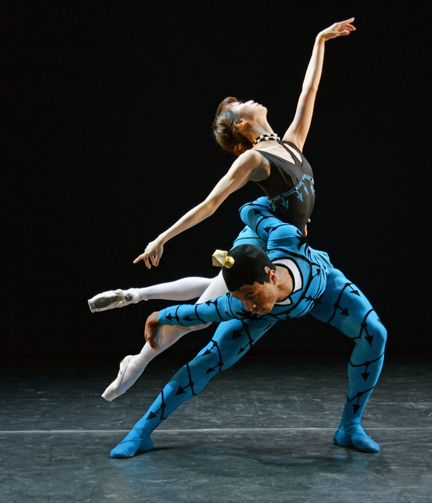 Akane Takada and Jose Alves in Danses Concertantes.© Dave Morgan. (Click image for larger version)
