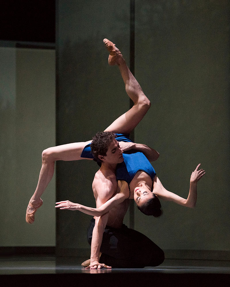 Yuan Yuan Tan and Carlo Di Lanno in Wheeldon's Bound To.© Erik Tomasson. (Click image for larger version)