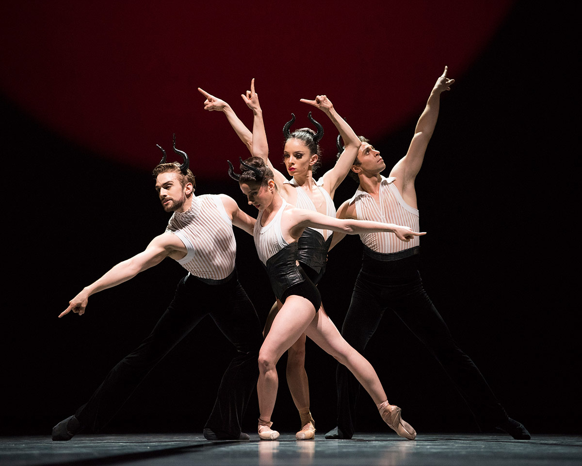San Francisco Ballet in Annabelle Lopez Ochoa's Guernica.© Erik Tomasson. (Click image for larger version)