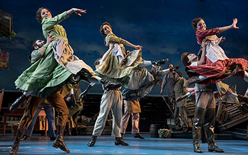 Carousel with choreography by Justin Peck.© Julieta Cervantes. (Click image for larger version)