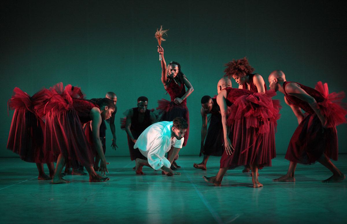 Dada Masilo's Giselle - The Dance Factory, Johannesburg (2017).© John Hogg. (Click image for larger version)