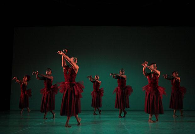 Dada Masilo's <I>Giselle</I> - The Dance Factory, Johannesburg (2017).<br />© John Hogg. (Click image for larger version)