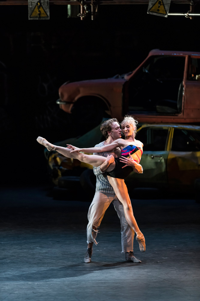 Melissa Hamilton and Matthew Ball in The Judas Tree.© Bill Cooper, courtesy the Royal Opera House. (Click image for larger version)