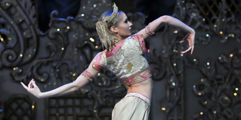 Melissa Hamilton in The Nutcracker.© Dave Morgan, courtesy the Royal Opera House. (Click image for larger version)