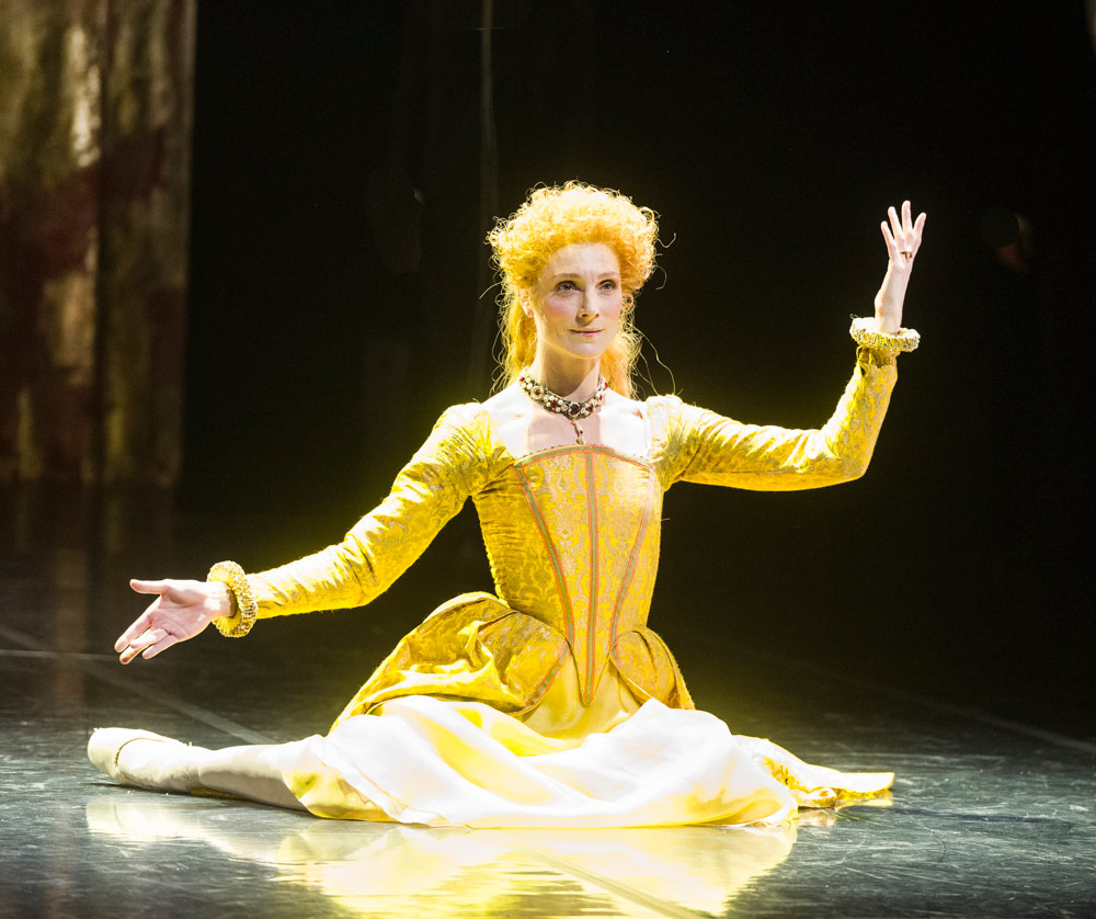 Zenaida Yanowsky in Will Tuckett's Elizabeth.© Foteini Christofilopoulou, courtesy the Royal Opera House. (Click image for larger version)