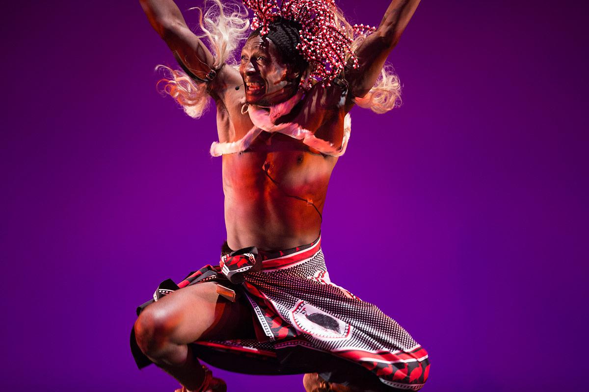 Ingoma KwaZulu-Natal Dance Company.© Julieta Cervantes. (Click image for larger version)