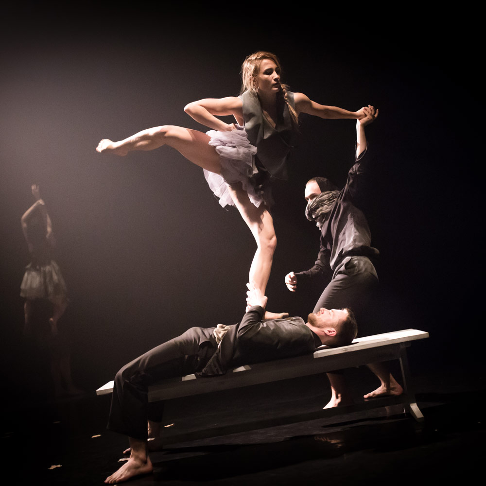 National Dance Company Wales in Folk.© Rhys Cozens. (Click image for larger version)