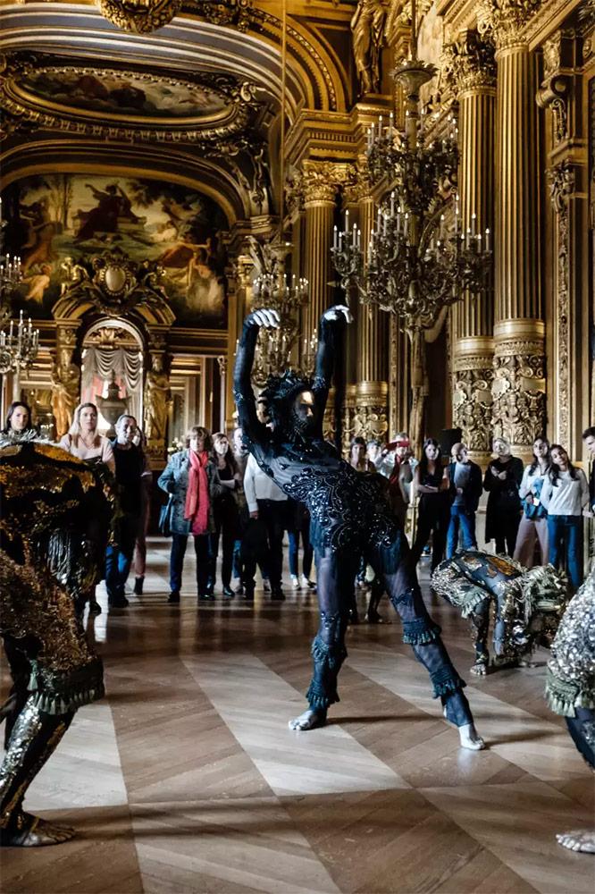 Paris Opera Ballet in Frôlons.© Agathe Poupeney / OnP. (Click image for larger version)