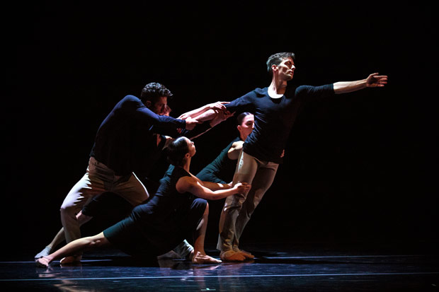 Garrett Anderson, right, with full ensemble in James Sofranko's <I>Homing</I>.<br />© Alexander Reneff-Olson. (Click image for larger version)