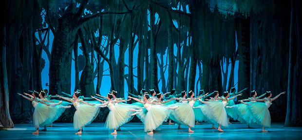 National Ballet of Cuba in <I>Giselle</I>.<br />© Carlos Quezada. (Click image for larger version)