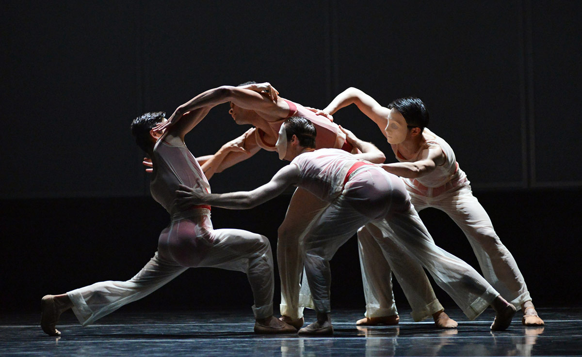 Brandon Lawrence, with Lachlan Monaghan, Haoliang Feng and Aitor Galende in Embrace.© Dave Morgan. (Click image for larger version)