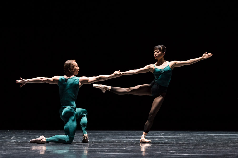 Denis Veginy and Kanako Fujimoto in In the Middle, Somewhat Elevated.© Foteini Christofilopoulou. (Click image for larger version)