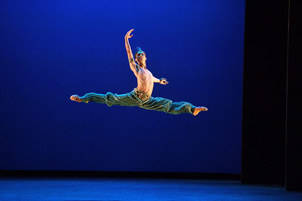 Daniel McCormick, Emerging Dancer Competition winner, performing <I>Le Corsaire</I>.<br />© Laurent Liotardo. (Click image for larger version)