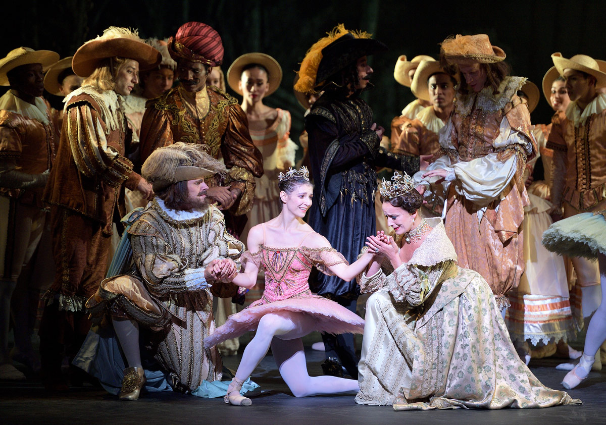 Grant Rae, Alina Cojocaru and Jane Haworth in The Sleeping Beauty.© Laurent Liotardo. (Click image for larger version)