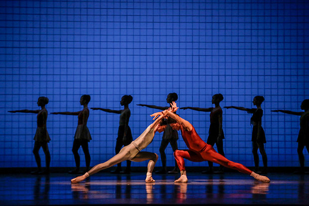 Victoria Jaiani and Temur Suluashvili in <I>Glass Pieces</I>.<br />© Cheryl Mann. (Click image for larger version)