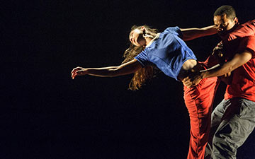 Jean Abreu and Rita Carpinteiro in Solo for Two (at the Southbank Centre).© Foteini Christofilopoulou. (Click image for larger version)