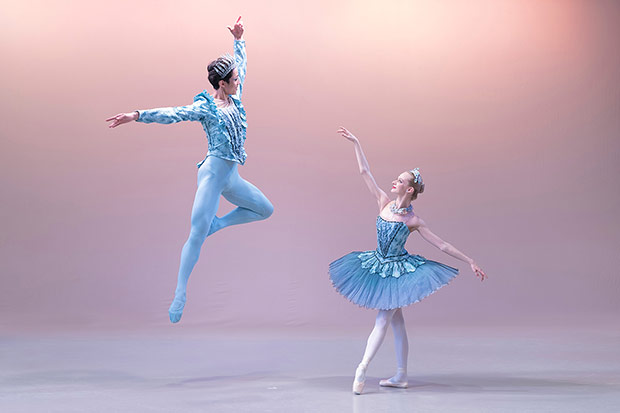 Third year students Breanna Foad and Rentaro Nakaaki, who join English National Ballet next season.© Jesus Vallinas. (Click image for larger version)