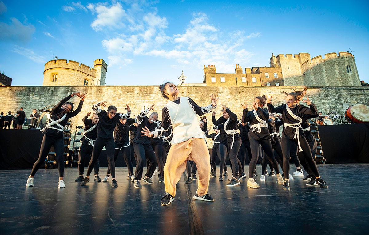 East Wall at the Tower of London - section choreographed by Duwane Taylor featuring East Wall Collective dancer Jonadette Carpio, One Youth Dance and University of East London Dance Collective 2.© Richard Leahair. (Click image for larger version)