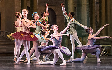 Students of the Upper School in Aurora's Wedding.© Tristram Kenton / Royal Ballet School. (Click image for larger version)