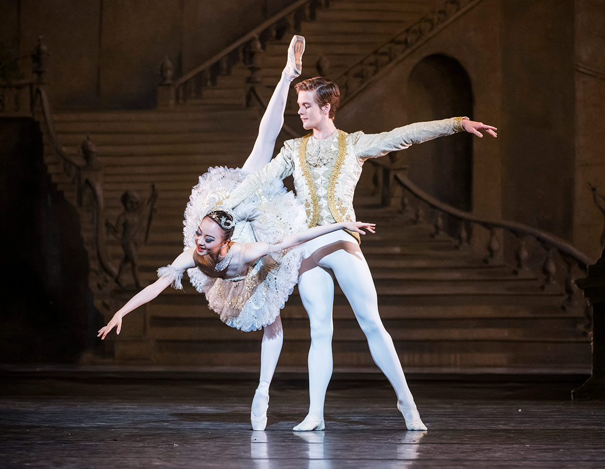 3rd Year students Yu Hang and Harrison Lee as Aurora and Prince Florimund in Aurora's Wedding.© Tristram Kenton / Royal Ballet School. (Click image for larger version)