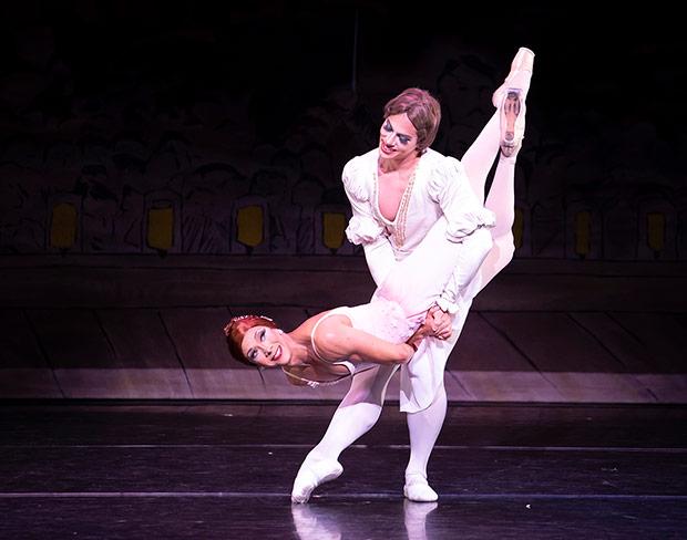 Carlos Hopuy and Roberto Vega in <I>Tchaikovsky pas de deux</I>.<br />© Emma Kauldhar. (Click image for larger version)