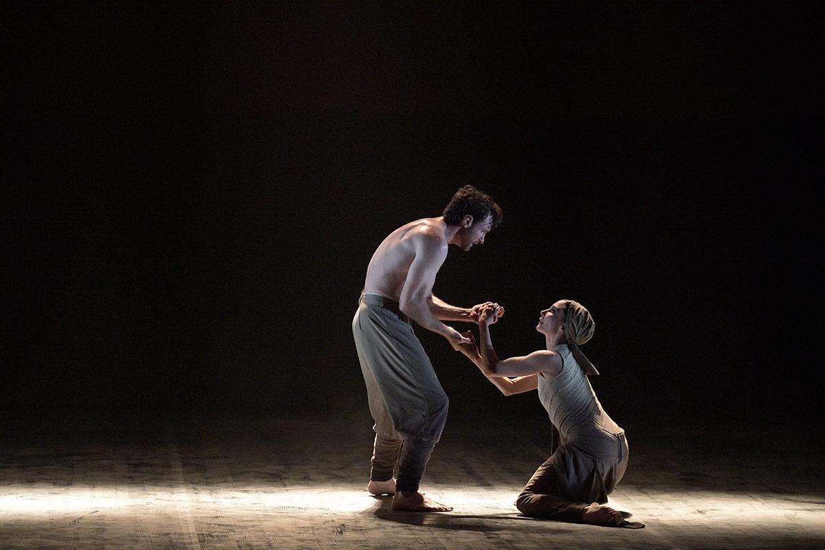 Tamara Rojo and James Streeter in Dust by Akram Khan.© Laurent Liotardo. (Click image for larger version)