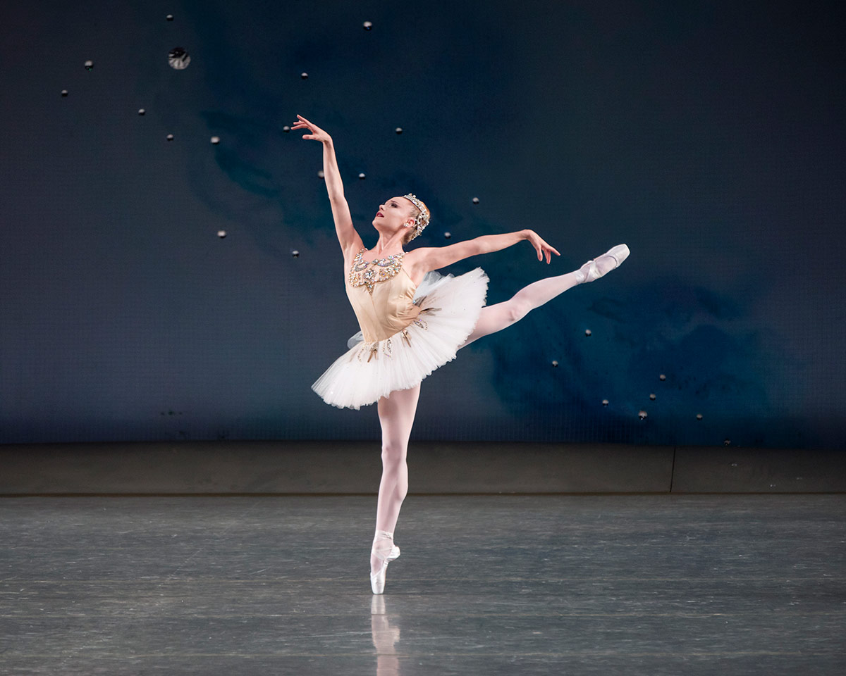Sara Mearns in Diamonds from Jewels.© Paul Kolnik. (Click image for larger version)