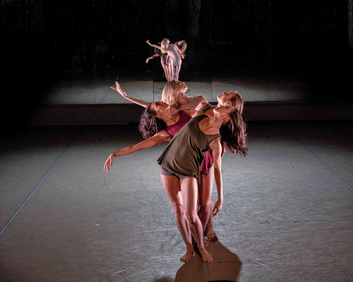 Co.Lab Dance in Xin Ying's Almost Ritual.© Rod Brayman. (Click image for larger version)