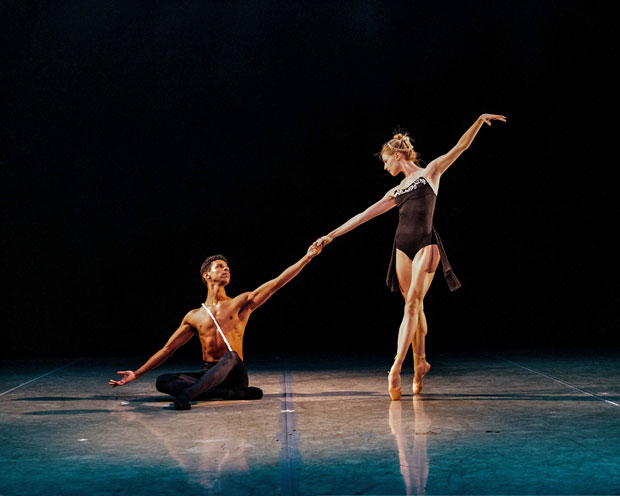 Lauren Post and José Sebastian in Zhongjing Fang's <I>Seen by Two</I>.<br />© Rod Brayman. (Click image for larger version)