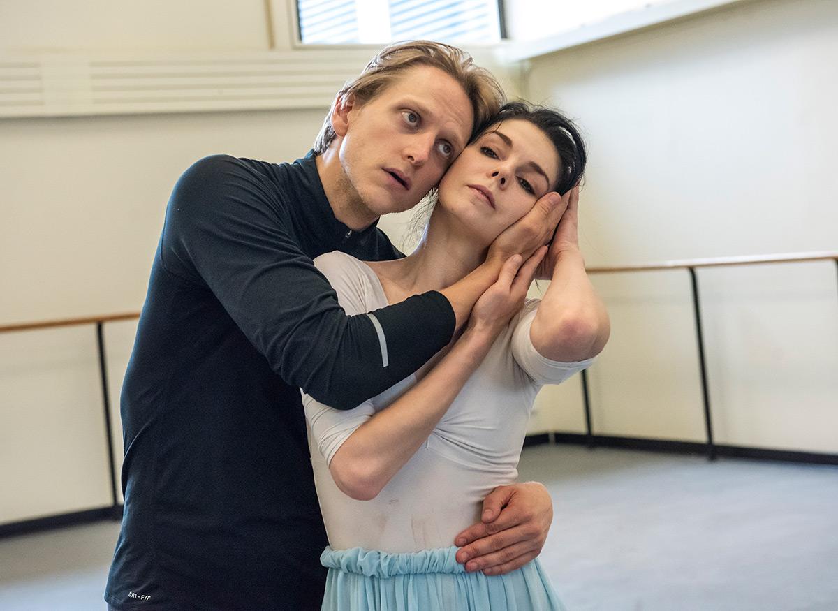 Natalia Osipova in rehearsal with David Hallberg, at New York City Ballet dance studios, preparing an Alexei Ratmansky work for Pure Dance.© Stephanie Berger. (Click image for larger version)