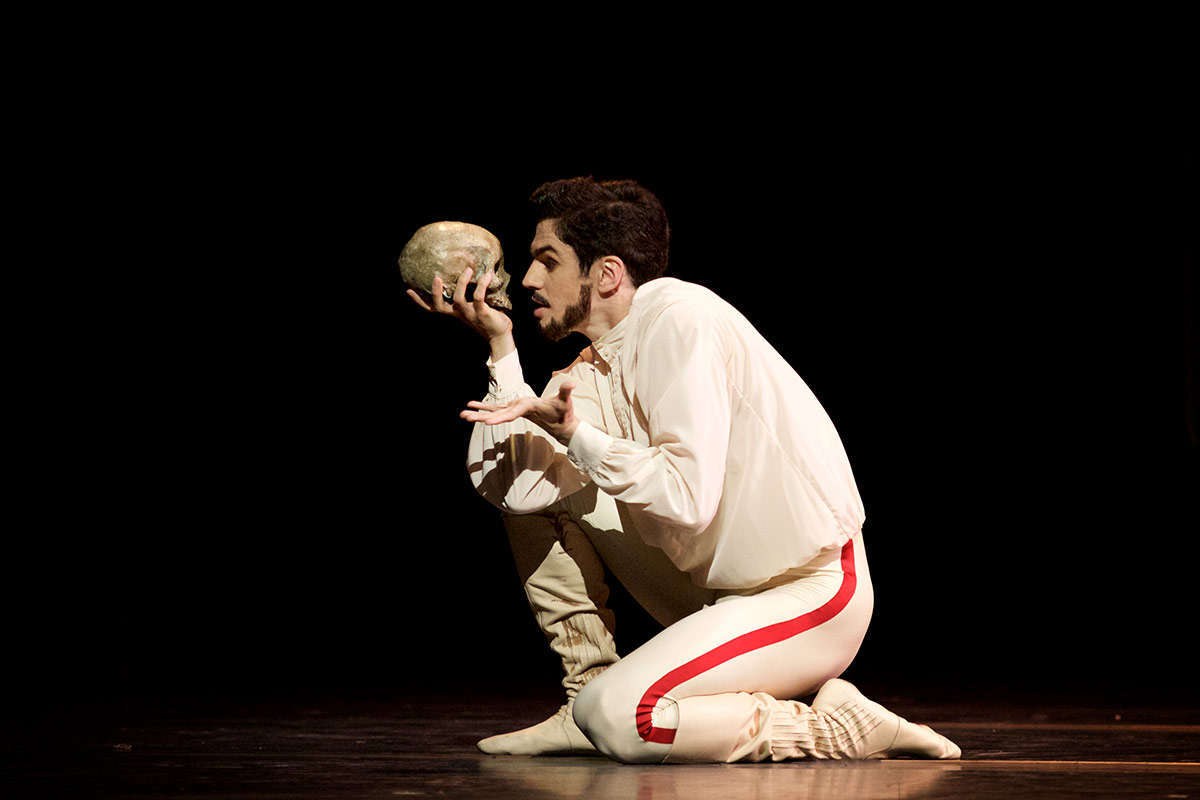Federico Bonelli in Mayerling.© Alice Pennefather, courtesy the Royal Opera House. (Click image for larger version