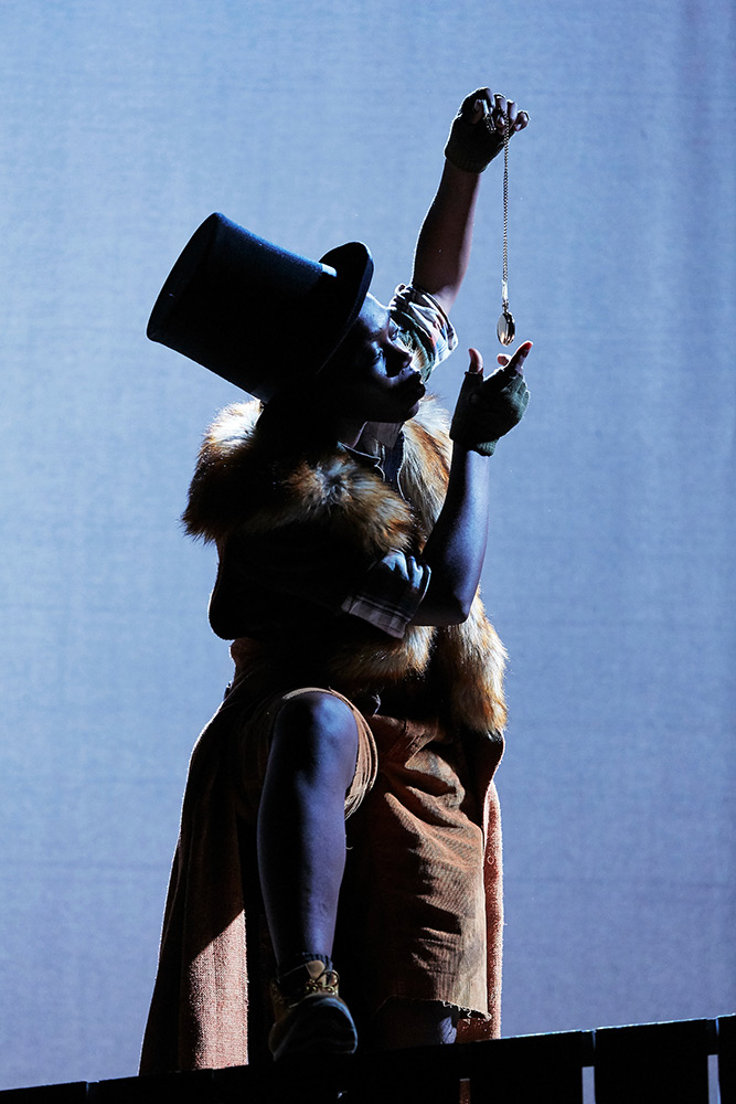 Avant Garde Dance in <I>Fagin's Twist</I>.<br />© Avant Garde Dance. (Click image for larger version)