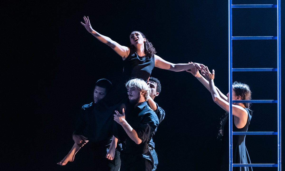 Jennifer France and National Dance Company Wales dancers in Pascal Dusapin's Passion.© Clive Barda. (Click image for larger version)