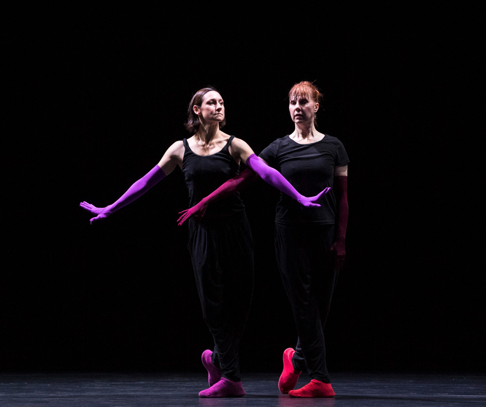 Parvaneh Scharafali and Jill Johnson in Epilogue.© Foteini Christofilopoulou. (Click image for larger version)