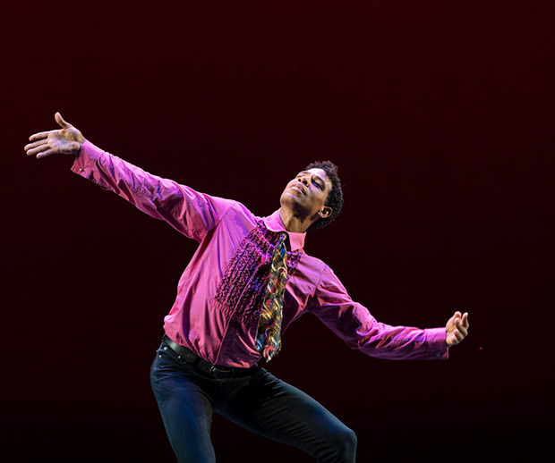 Carlos Acosta in <I>Rooster</I>.<br />© Foteini Christofilopoulou. (Click image for larger version)