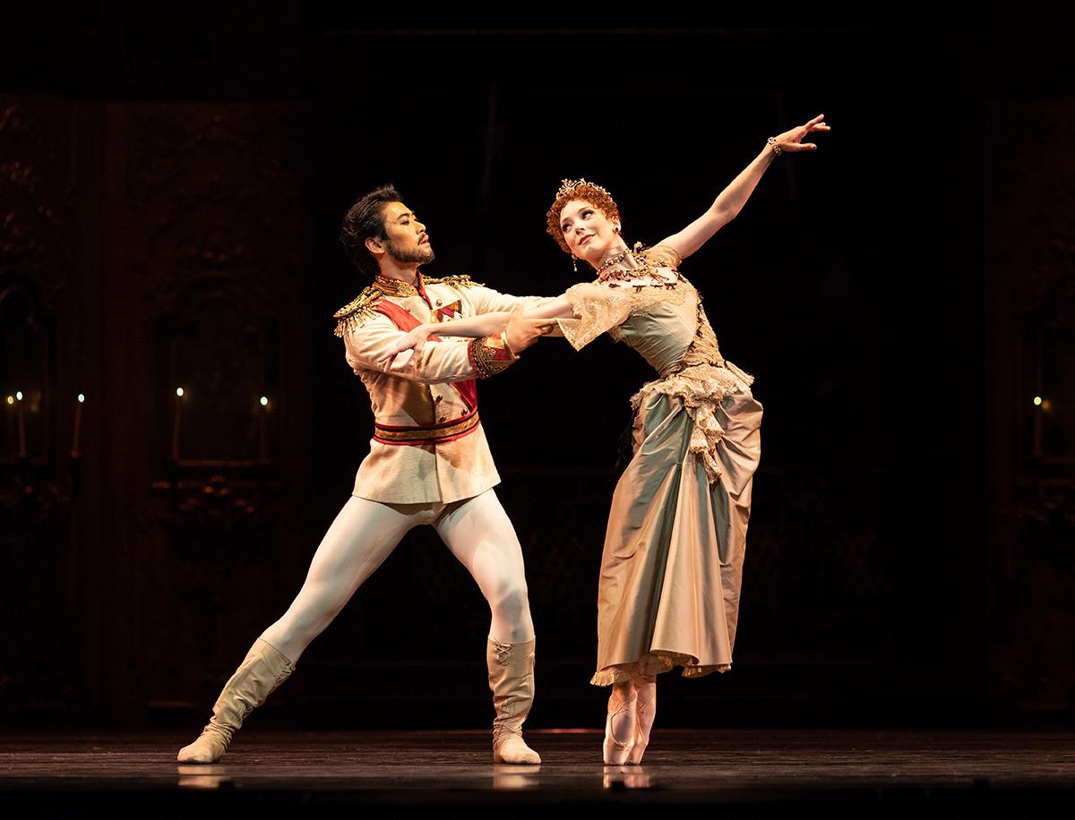 Ryoichi Hirano and Sarah Lamb in Mayerling.© Helen Maybanks, courtesy the Royal Opera House. (Click image for larger version)