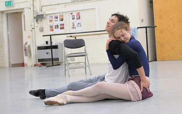 Isaac Hernandez and Jurgita Dronina in rehearsals for <I>Manon</I>.<br />© Laurent Liotardo. (Click image for larger version)
