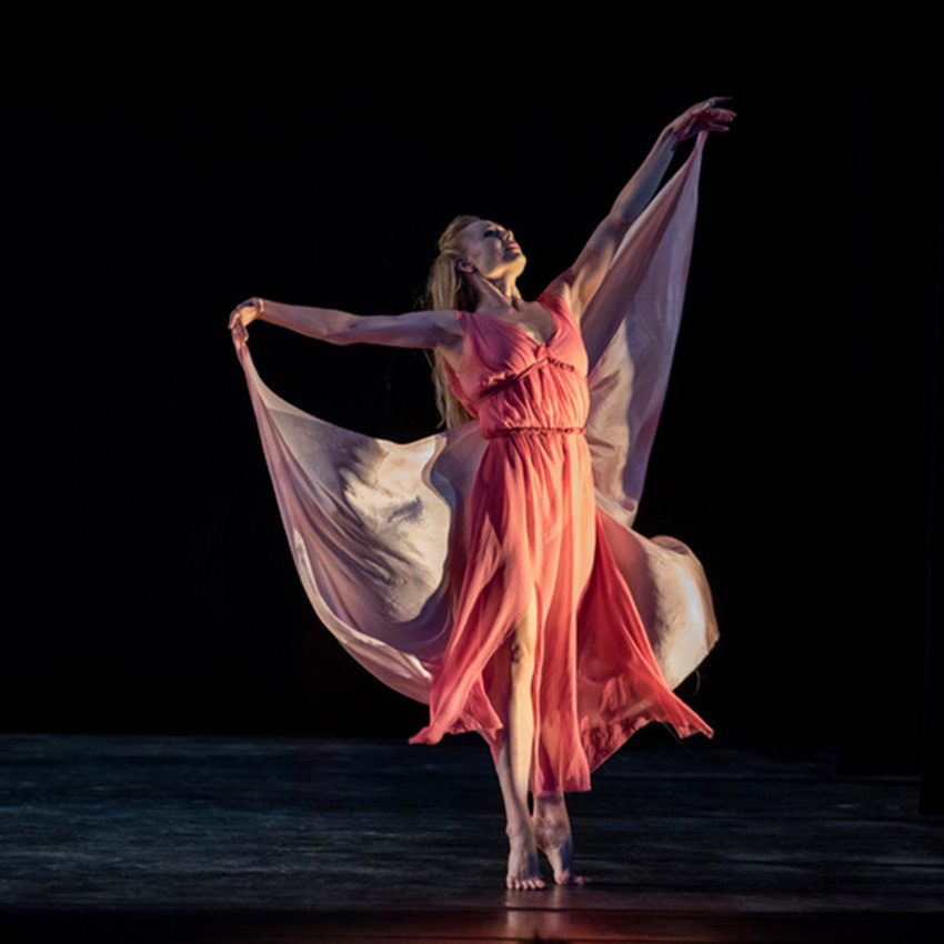 Sara Mearns in Dances of Isadora Duncan.© Stephanie Berger. (Click image for larger version)