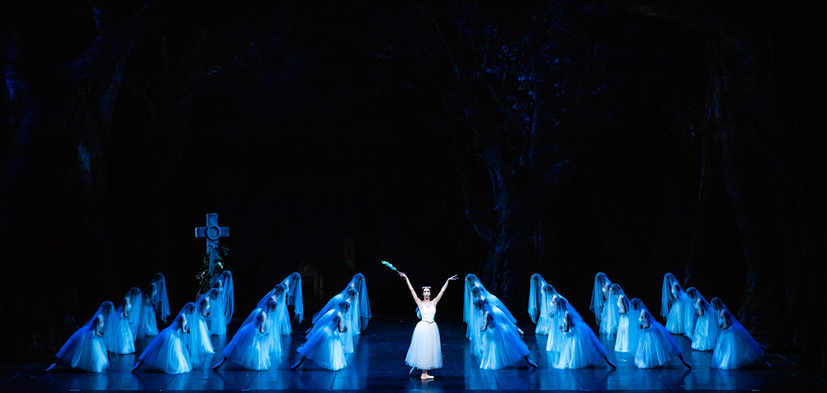 Maria Celeste Losa as Myrtha in <I>Giselle</I>.<br />© Darren Thomas. (Click image for larger version)
