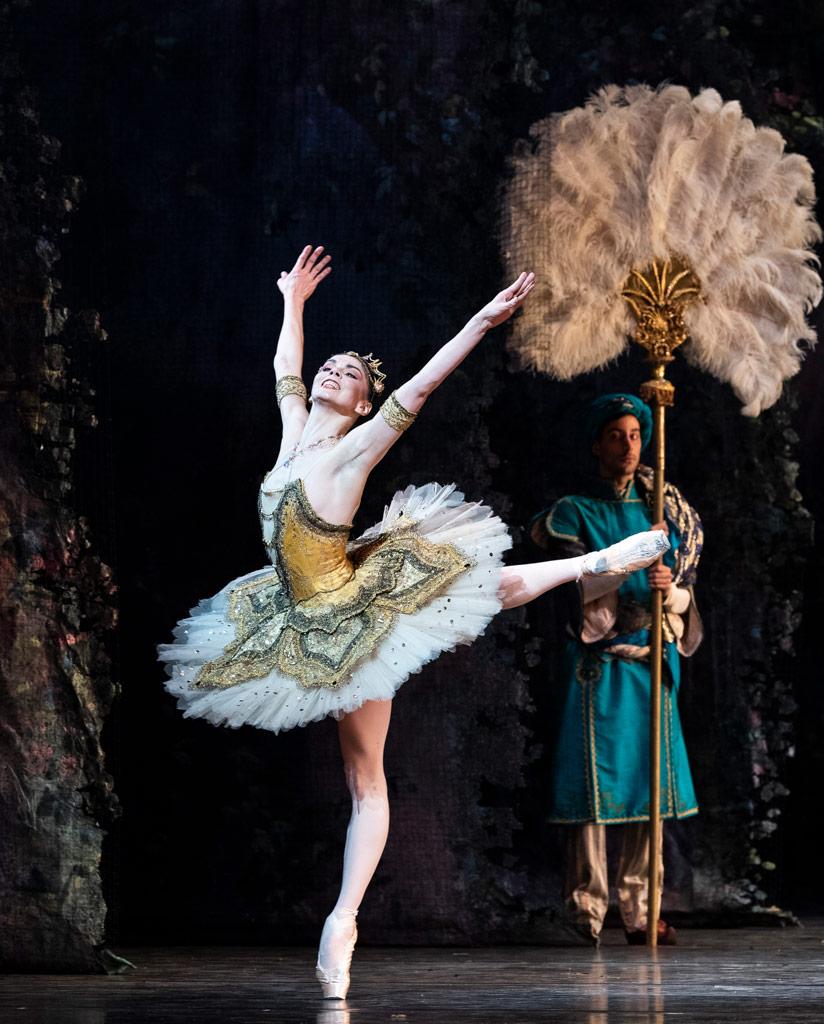 Natalia Osipova in La Bayadère.© Foteini Christofilopoulou, courtesy the Royal Opera House. (Click image for larger version)